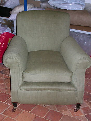 English Traditional Armchair 2